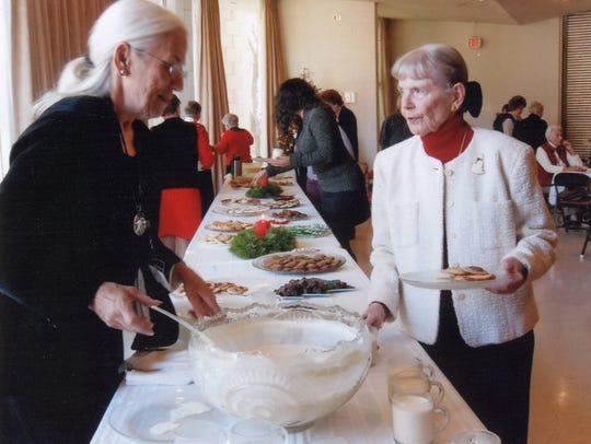 Three Rivers Woman's Club members Linda Lewis and Lynn
