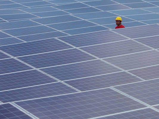 aptopix_bolivia_solar_power.jpeg-223a_14123453852_8667399_ver1..jpg