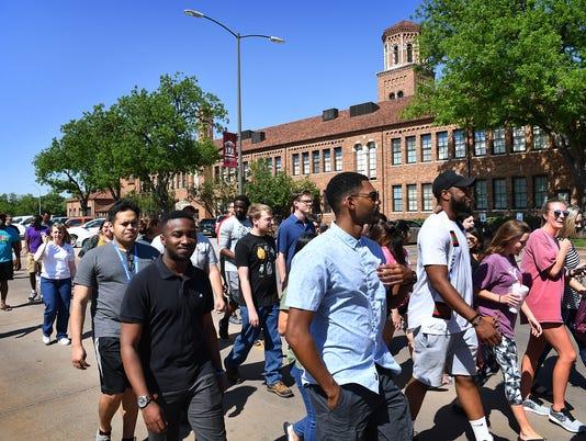MSU Grads Walk 1