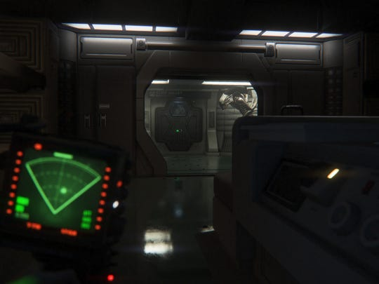 A xenomorph approaches the door to a room where Amanda is standing. The green box is a motion sensor, with white dots representing living things.