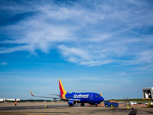 an analysis of the start beginning of the southwest airlines Southwest airlines' compliance management soars with 3e  from its  beginnings as a small texas company, southwest airlines has grown  and,  from a cost-benefit analysis perspective, it was a no-brainer and significantly  lowered costs.
