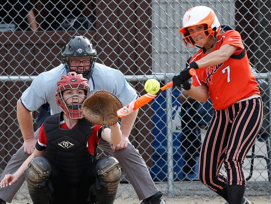 635968670915160247-FON-042116-oakfield-softball-2.jpg