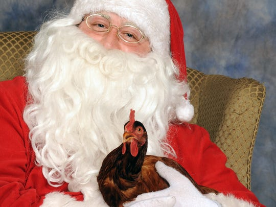 Picture Your Pet with Santa at Feeders Supply first two weekends in December.