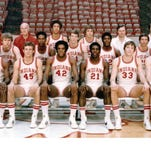 Team picture of the 1975-76 Indiana University men's basketball team.