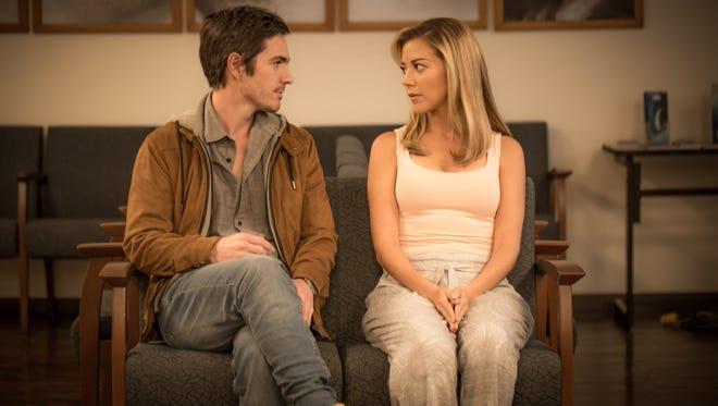 """In """"Ya Veremos,"""" Rodrigo (Mauricio Ochmann) and Alejandra (Fernanda Castillo) are divorced parents."""