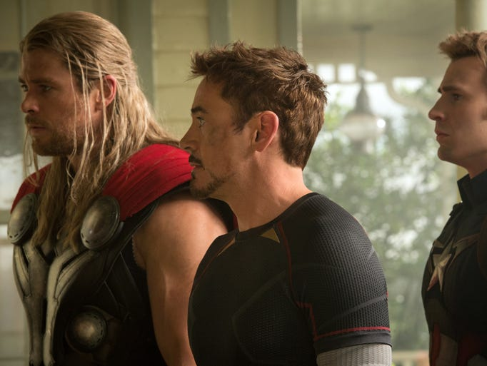 Thor (Chris Hemsworth), Tony Stark/Iron Man (Robert