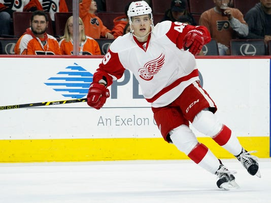 AP_Red_Wings_Flyers_Hockey_O.JPG