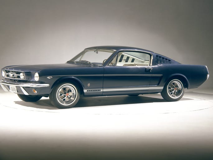 This blue 1966 Mustang GT fastback came in blue. The following year, Mustang was offered in nine shades of blue.