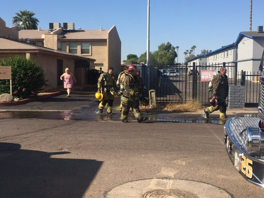 Fire displaces eight, injures one in Glendale