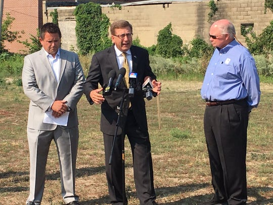 Sioux Falls Mayor Mike Huether announces the development
