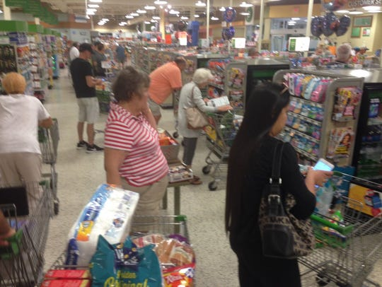 Checkout lines already building at the Publix on U.S.