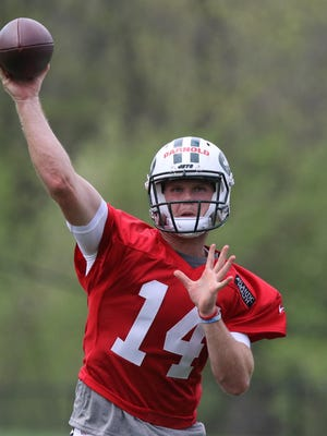 First round draft pick, quarterback Sam Darnold works out with team during this afternoon's practice.