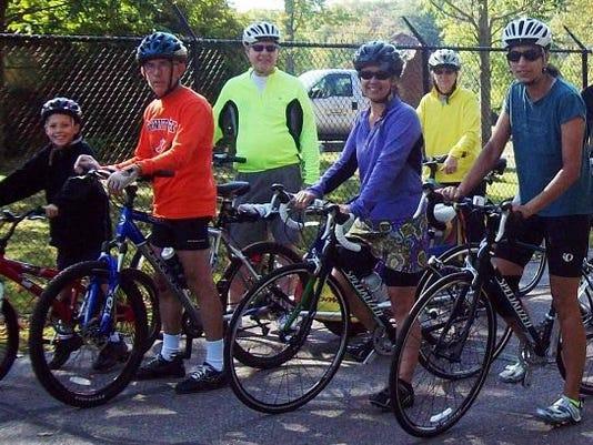 MNH 0902 Bike tour