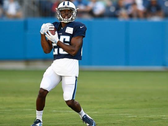 Titans cornerback Adoree' Jackson (25) pulls in a punt