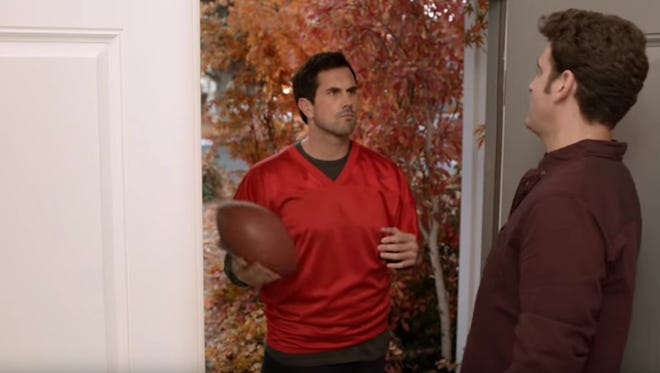 Matt Leinart made a cameo in a Pizza Hut ad.