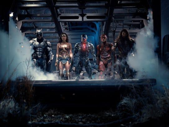 Batman (Ben Affleck), Wonder Woman (Gal Gadot), Cyborg