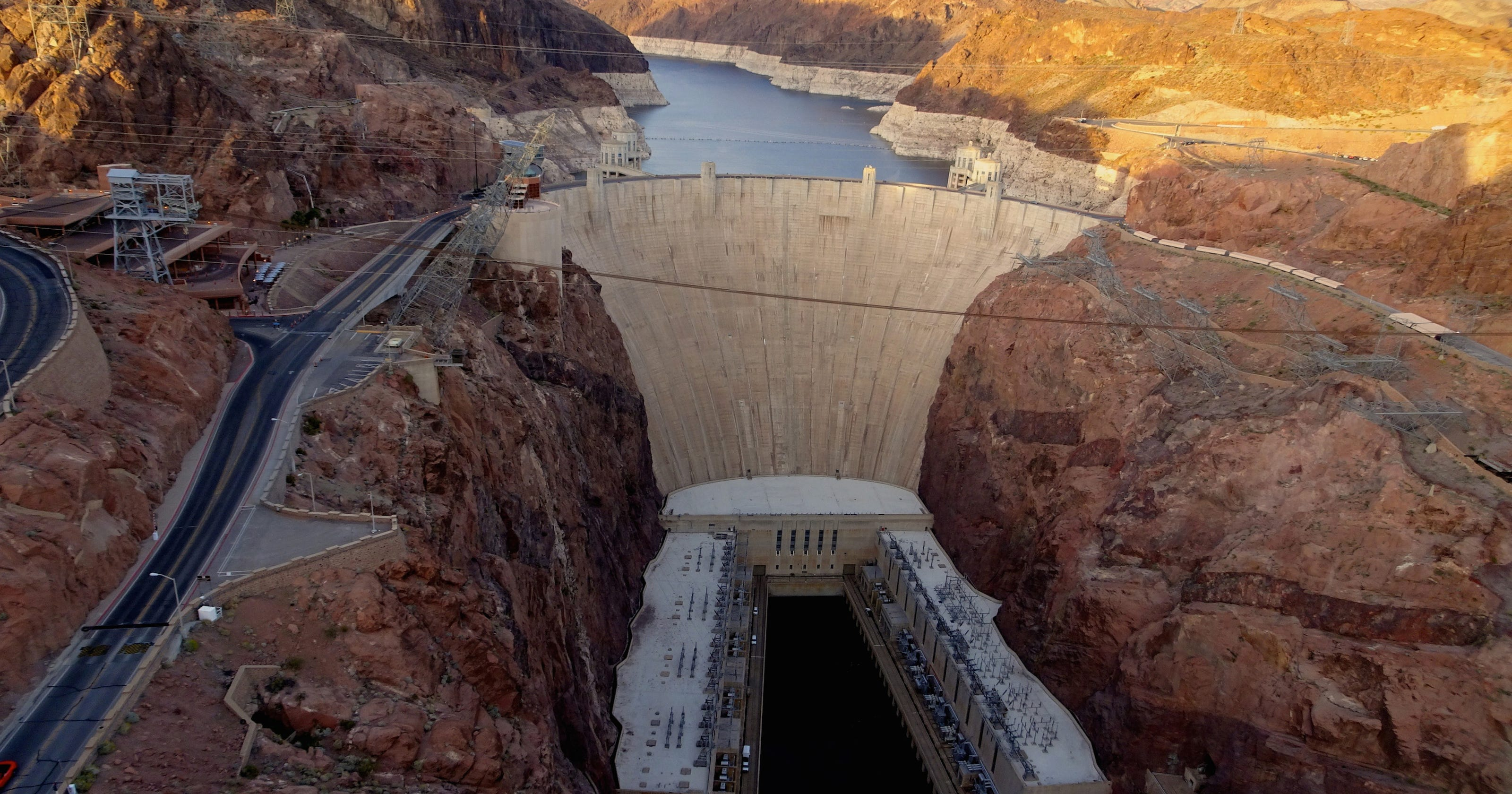 Hoover Dam: Tours, sightseeing and where it is