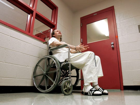 Death row inmate Paul House talks during an interview at the Louis M. DeBerry Special Needs Facility on April 16, 2008.