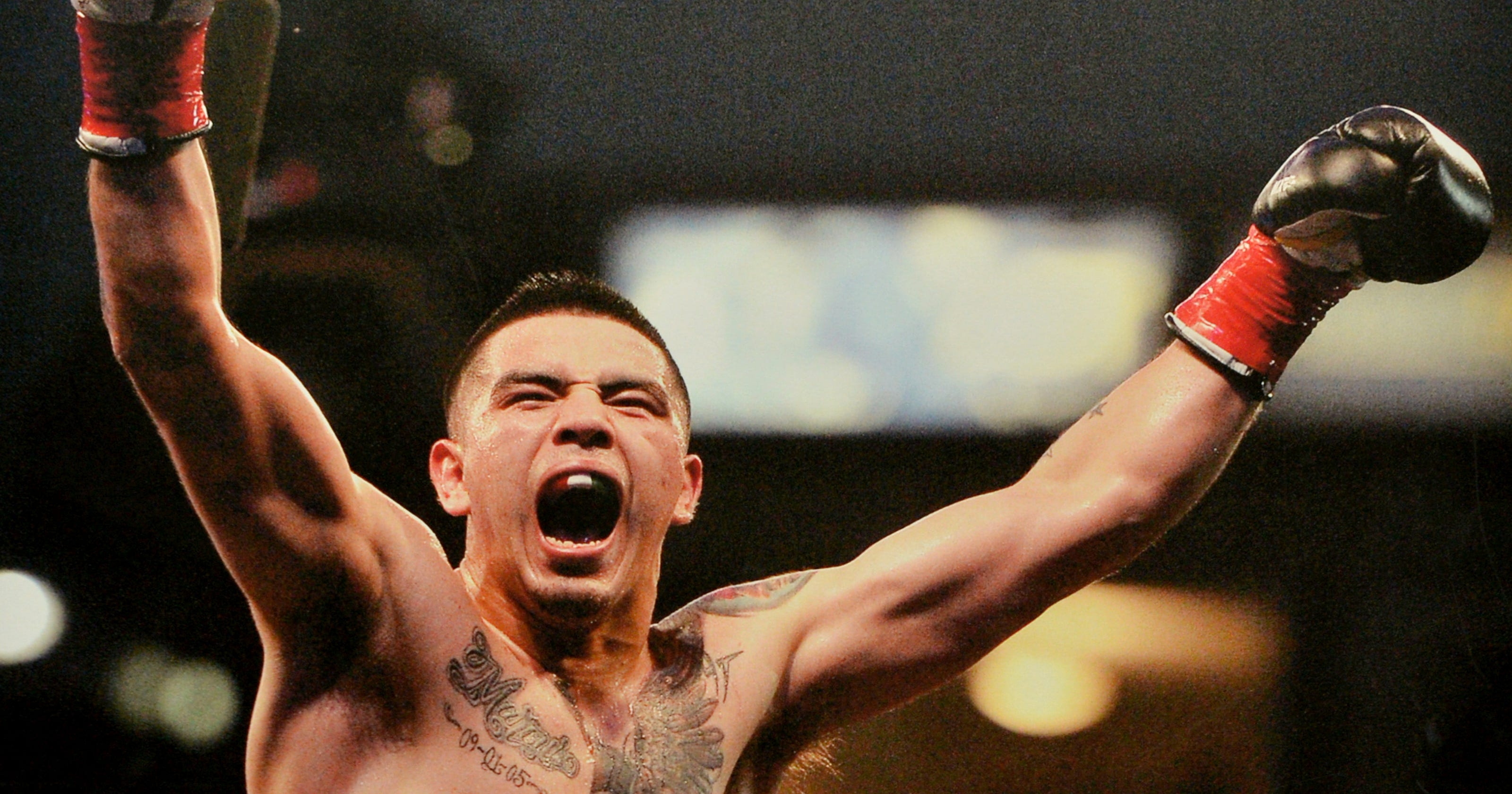 ce8a856fd Brandon Rios keeps hope for title fight with knockout of Ramon Alvarez