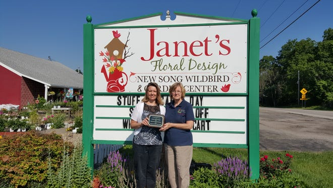 Janet's Floral Design recently donated to Hospice of North Central Ohio.