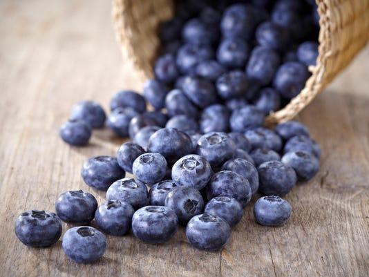 Basket of blueberries 2 - thk123151997