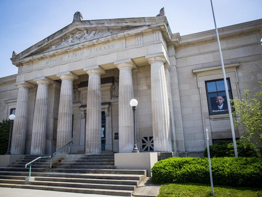 Carnegie Library front 2016