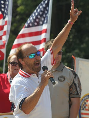 Lee Greenwood will perform in a concert to close out the Welcome Home Veterans Celebration in Clarksville.