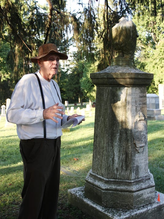 636402905025565955-NEWBrd-09-29-2016-Advocate-1-D001-2016-09-28-IMG-Cemetery-Tour-2.jpg-1-1-BGFRLO2I-L890859617-IMG-Cemetery-Tour-2.jpg-1-1-BGFRLO2I-1-.jpg
