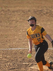 Bellevue junior Arianna Dotson pitches during the St.