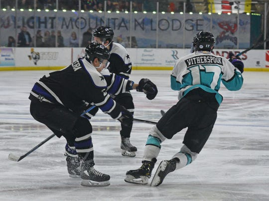The Shreveport Mudbugs play against the Lone Star Brahmas