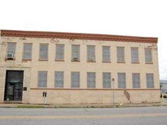 Dilley building