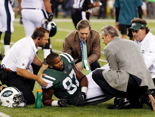 Trainers take a look at New York Jets tight end Chris