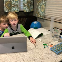 Iowa families foregoing classroom for virtual school