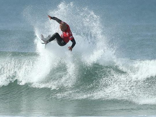HOSSEGOR, FRANCE - OCTOBER 10: Kelly Slater of USA surfs into round 3 of Quiksilver Pro on October 10, 2015 in Hossegor, France. (Photo by Romain Perrocheau/Getty Images)