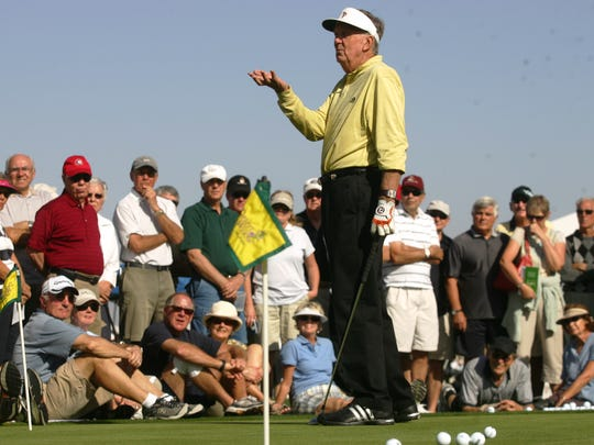 Al Geiberger gives free golf instructions during the Pete Carlson's Golf Expo at the Desert Willow Golf Resort in Rancho Mirage in 2010.