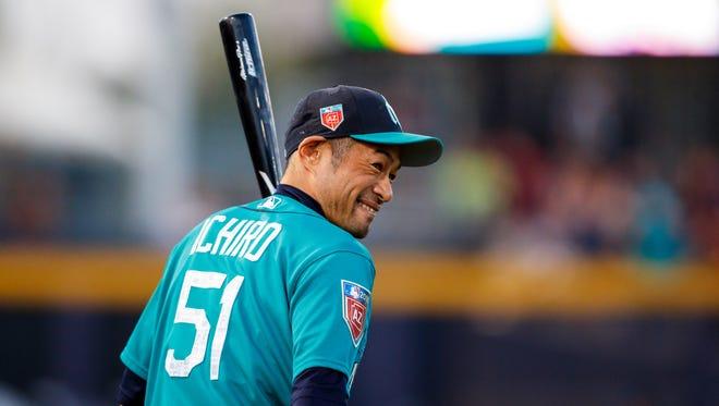 """If you look at the order, I'm following him,"" Ichiro Suzuki says of longtime teammate David Phelps."