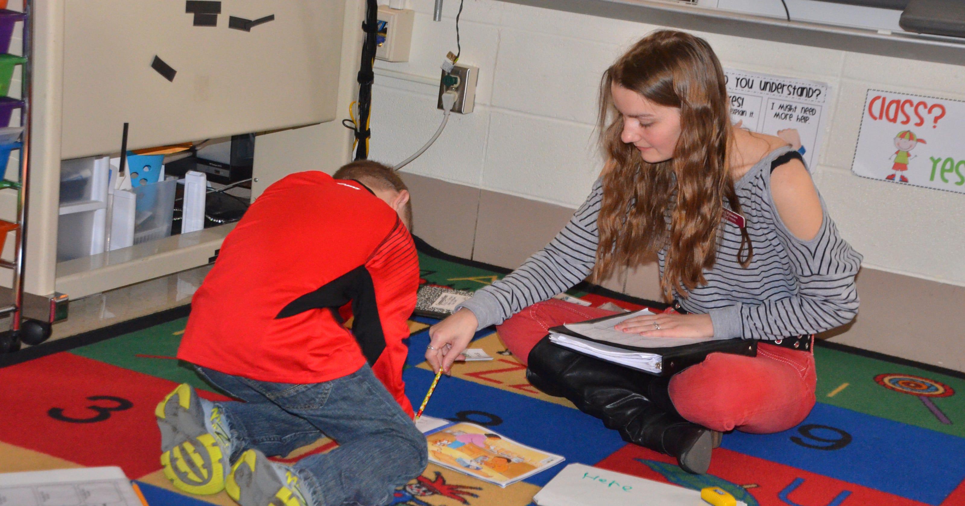 Evangel education majors partner with Weller Elementary