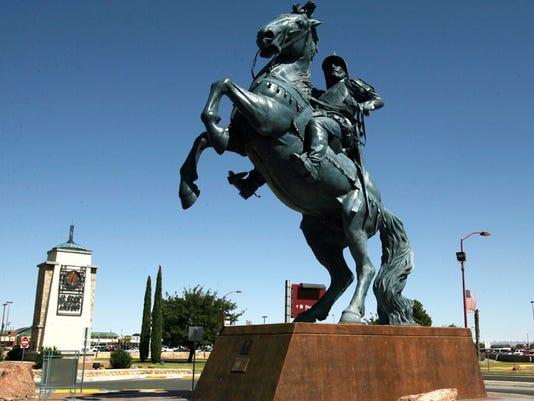 1009b1_equestrian_statue_vc.jpg