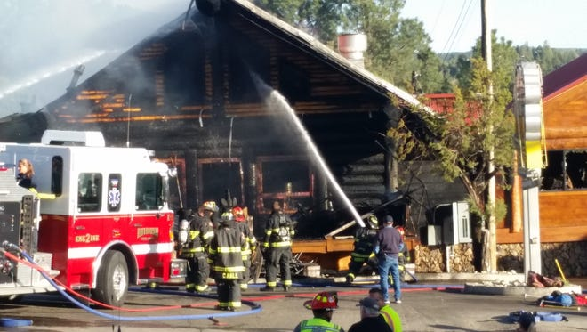Can't Stop Smokin' owners Pete and Cassandra Schiavone thank the community for their support after Sunday's fire.