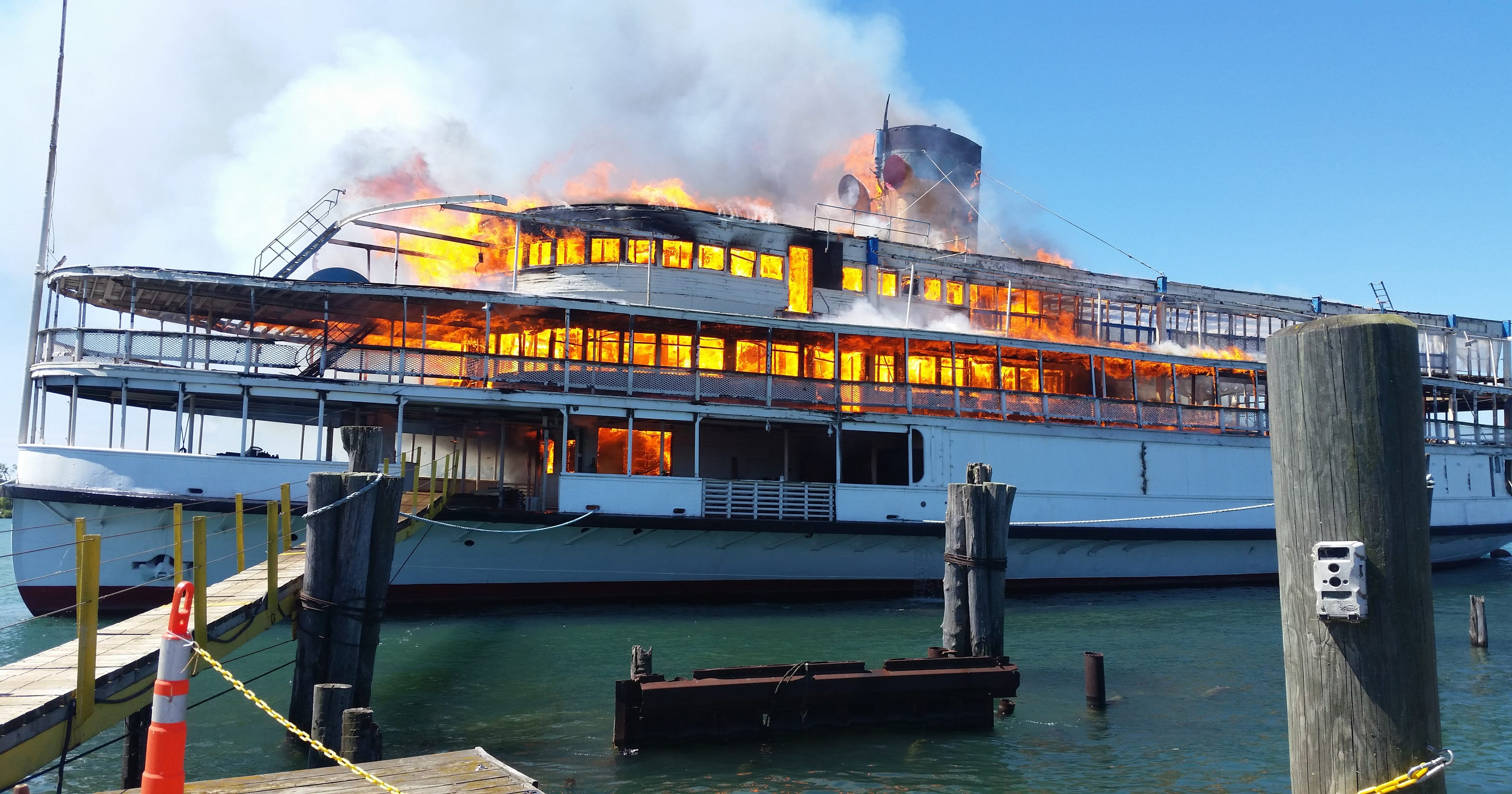 Fire Destroys Former Boblo Boat At Detroit Marina