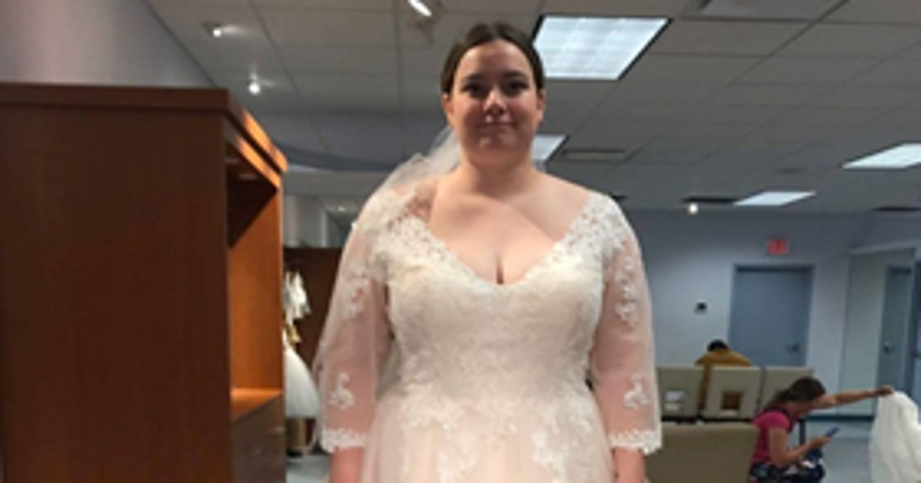 9aaa294c62d92 Michigan bride-to-be at a loss after Alfred Angelo closing