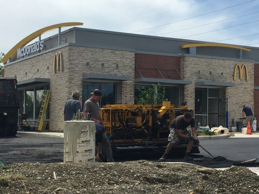 636651941655950686-New-McDonald-s-to-open-June-28-in-BurligntonTwp-with-table-service-mobile-order-kiosks.jpg