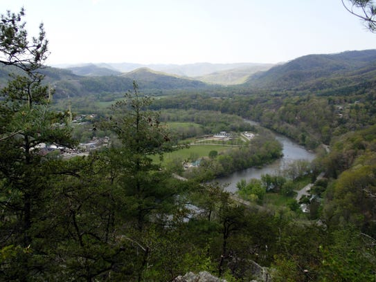 A view from Lovers' Leap along the Appalachian Trail