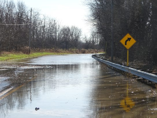 Ohio 203 from Ohio 4 to Prospect remained closed Monday