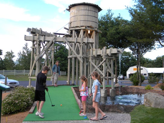 5 Great Spots For Mini Golf Up North