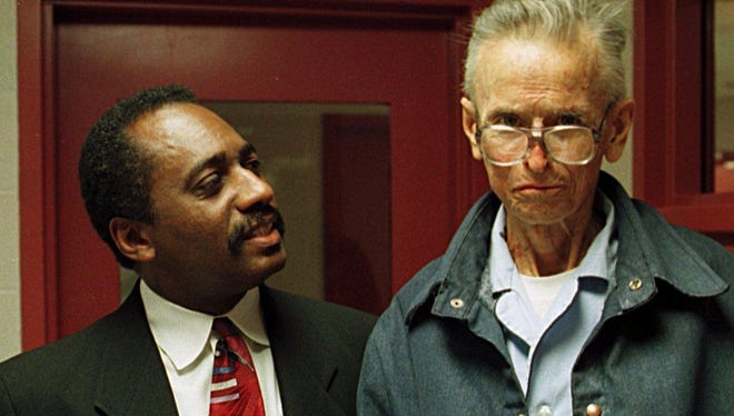Tennessean journalist Dwight Lewis, left, speaks with Martin Luther King Jr.'s assassin, James Earl Ray, during an interview April 7, 1998.