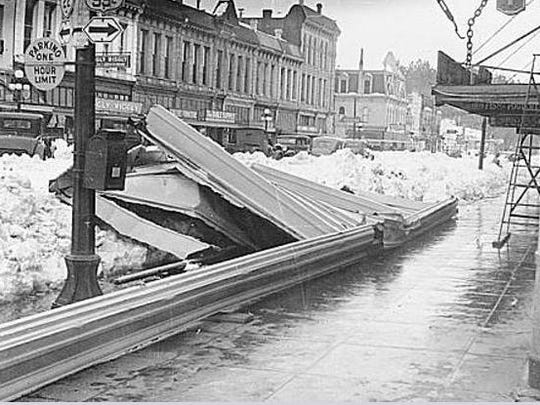 Damage from the Jan. 31, 1937, snowstorm is seen on Commercial Street. Salem Public Library Historic Collections
