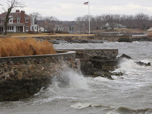 Larchmont shore waves