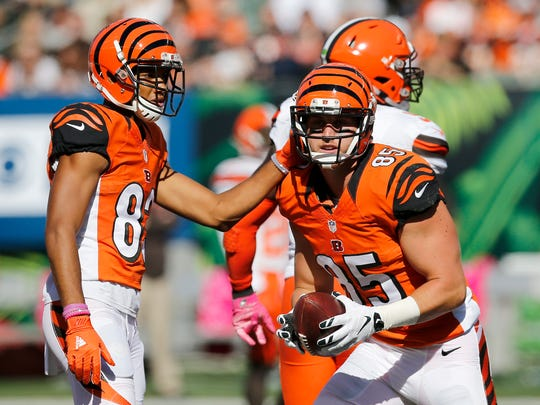 Bengals tight end Tyler Eifert returns to the line after a catch in the second quarter.