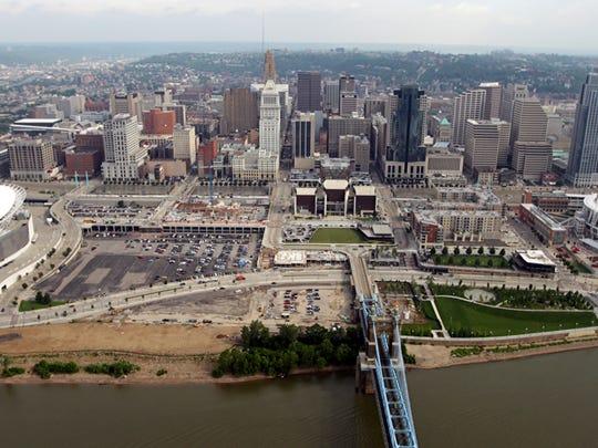 Cincinnati_Harbor